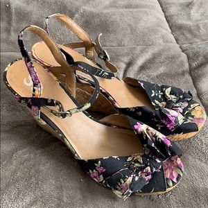Flower Wedges